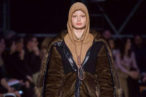 Burberry Apologizes for Hoodie With Noose Design