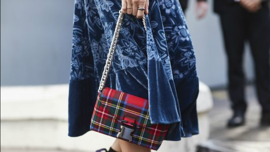 How to Tastefully Incorporate Plaid Into Your Spring Wardrobe