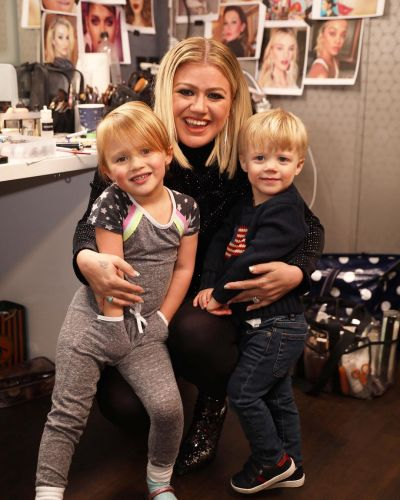 Kelly Clarkson Is Trying to 'Protect' Her Kids Amid Brandon Blackstock Divorce: It's 'Never Easy'