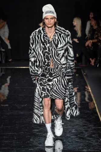 Versace Goes Bold in New York with Pre-Fall '19 Collection