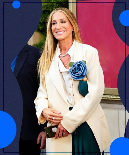 What Does It Mean That Carrie Bradshaw Is Wearing Her Flower Pin Again?