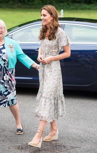 Kate Middleton Wore the Only Controversial Shoe Trend That's Royalty-Approved