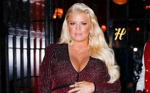 Jessica Simpson Bares Pregnant Belly While Wearing a Bikini Top