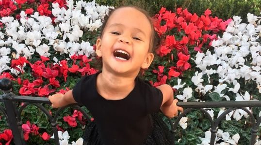 Chrissy Teigen Made A Restaurant For Her Daughter Luna And The Menu Is Adorable