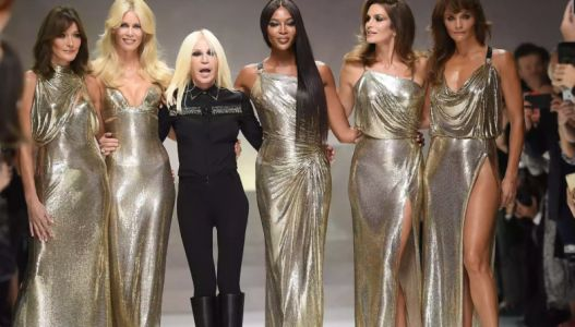 The original supermodels just reunited in tribute to Gianni Versace