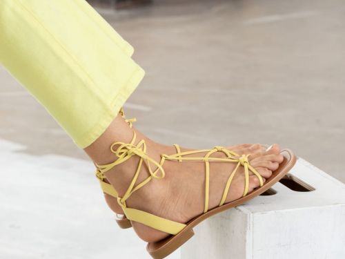 Put Away Your Flip Flops, Lace Up Flats Are Back
