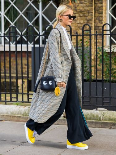 Here's the 2018 Way to Match Your Shoes and Bag