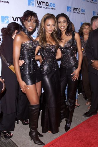 15 Photos That Prove the VMAs in the '00s Were Wild