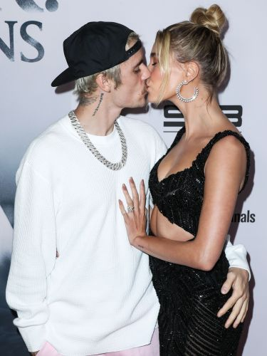 Justin Bieber and Hailey Baldwin Share a Sweet Kiss at the Los Angeles Premiere of New Documentary