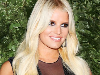 Jessica Simpson Doesn't Care What You Think About Her Leg Hair
