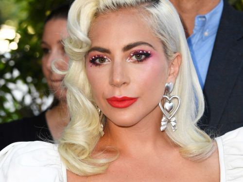 Lady Gaga Is Bringing Pink Eyeshadow Back In A Big Way