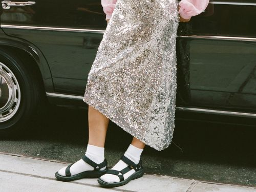 """""""Tourist Sandals"""" Are the 2019 Shoe Trend You'll Have to Get Used To"""