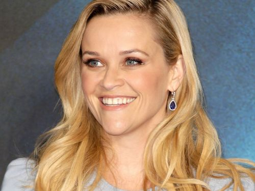 Reese Witherspoon Is Unrecognizable With Brown, Shoulder-Length Hair