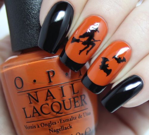 Give Yourself a Spooky Manicure With These Super Easy Halloween Nail Art Designs!