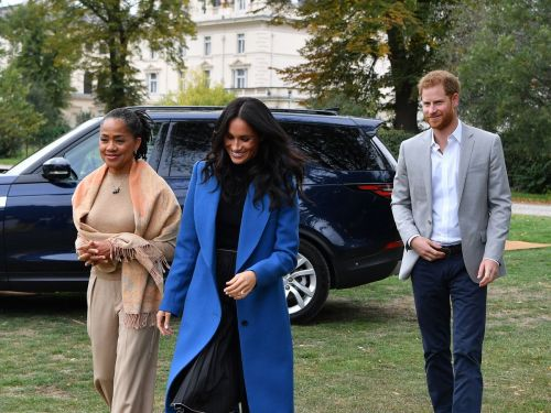 Meghan Markle Wore A Blue Coat, So We Want To Wear A Blue Coat