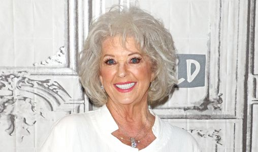 Paula Deen Undid Years Of Eating Greasy Southern Food And Lost A Ton Of Weight: Here's How