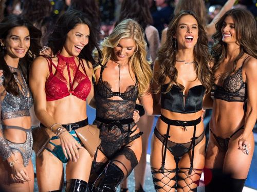 How to Watch the 2017 Victoria's Secret Fashion Show