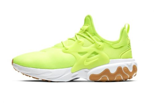 """Nike Paints the React Presto in Signature """"Volt"""""""