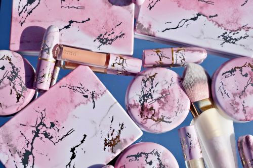 An Early Summer Glow: My Picks from the MAC Electric Wonder Collection