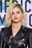 Selena Gomez Has Us Shook With Her New Blond 'Do